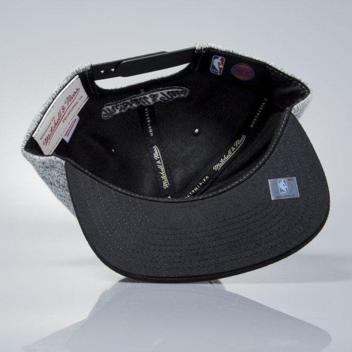 baf34b347c9 Mitchell   Ness snapback cap New York Knicks grey heather   black EU957 GREY  DUSTER ...