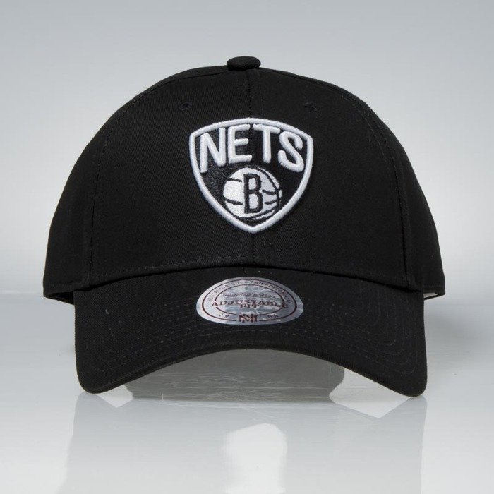 d7ba6637 ... Mitchell & Ness strapback Brooklyn Nets black Team Logo Low ...