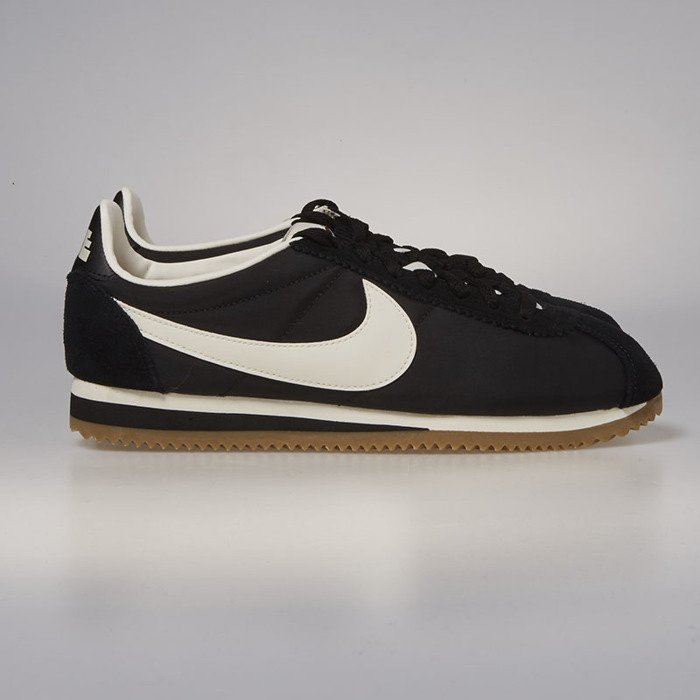best sneakers 24a02 0b343 Nike Classic Cortez Nylon Premium black   sail - gum light brown 876873-002  ...
