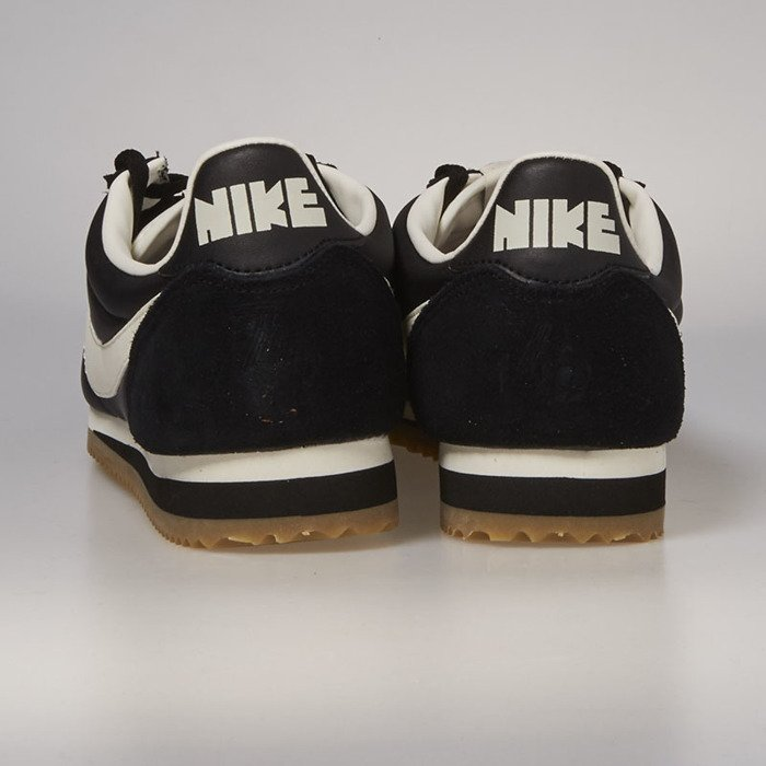 innovative design 67a16 2a6df ... Nike Classic Cortez Nylon Premium black   sail - gum light brown 876873- 002 ...
