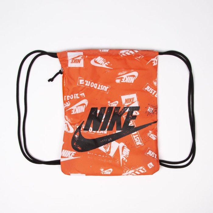 21934974ed984 ... Nike Heritage Gymsack GMSK - GFX 2 orange ...