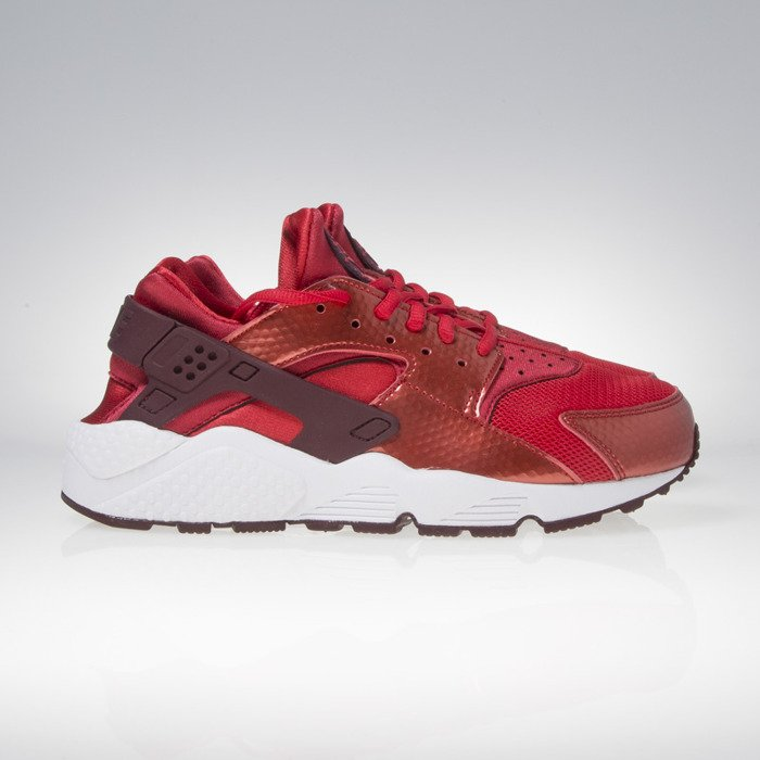 a4d28c2f22c40 ... Nike WMNS Air Huarache Run university red   night maroon   white  634835-605 ...