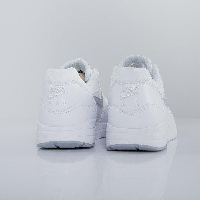 b1141ee397 ... Nike WMNS Air Max 1 Ultra Essentials white / wolf grey - pure platinum  - metallic ...