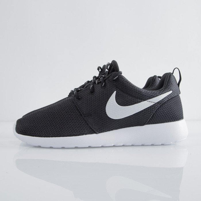 d8f073360f9f ... Nike WMNS Roshe Run One black   metallic platinum - white (511882-094)  ...