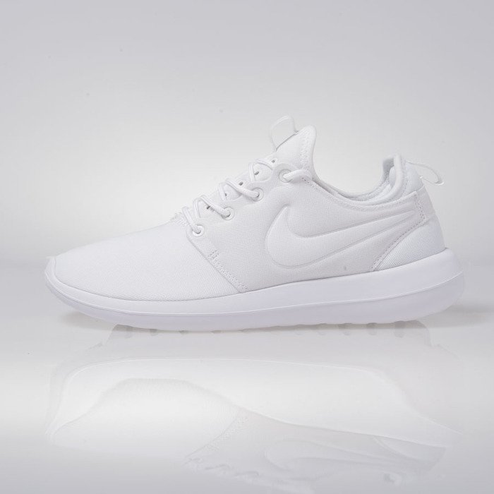 sale retailer 5cc3f 747f5 ... Nike WMNS Roshe Two white (844931-100) ...