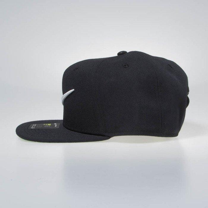 bc98392ac87 ... Nike snapback Swoosh Pro Classic black pine green 639534-011 ...