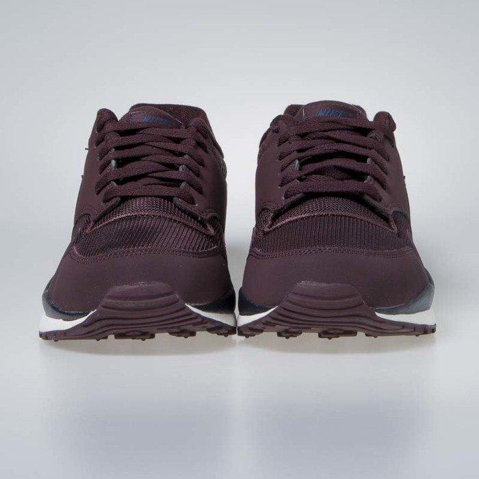 793c5f57b9f Nike sneakers Air Safari burgundy crush (371740-601) | Bludshop.com
