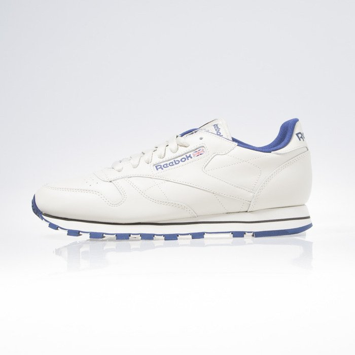 3d4a4a325541b Reebok CL Leather ecru   navy (28412)