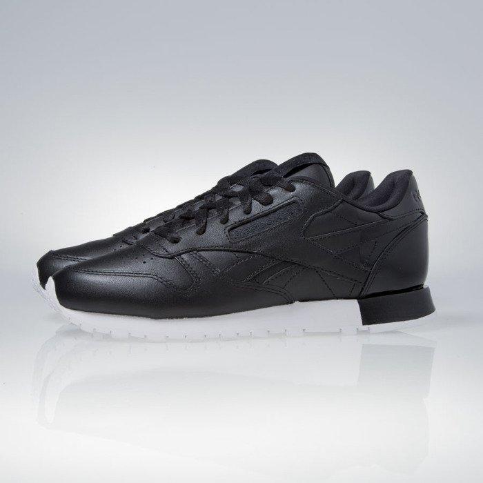 ed15f9d2453 Reebok WMNS Classic Leather Matte Shine black   white (AR0850) ...