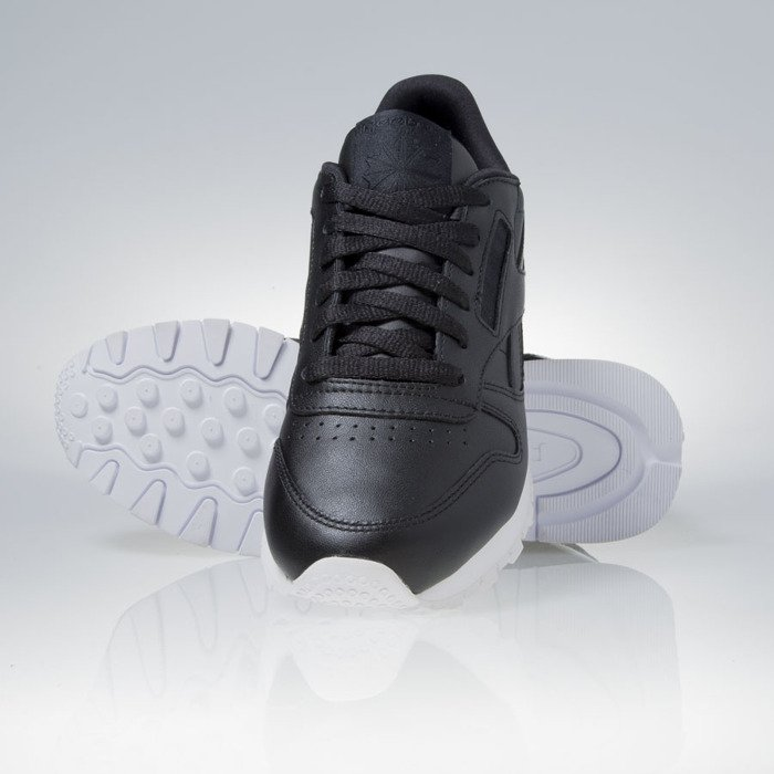 0eeaee6a618d3 ... Reebok WMNS Classic Leather Matte Shine black   white (AR0850) ...