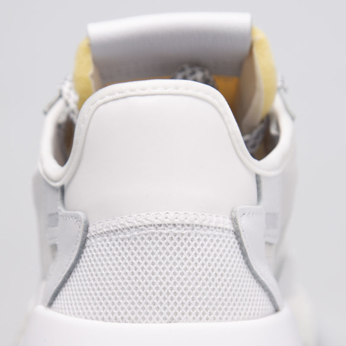 Sneakers Adidas Originals Nite Jogger ftwr white crystal white grey one (BD7676)