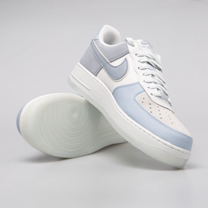 Sneakers Nike Air Force 1 '07 LV8 2 lt armory blue obsidian mist (AO2425 400)