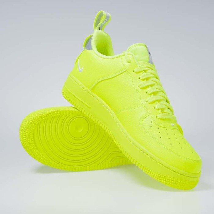 Sneakers Nike Air Force 1 '07 LV8 Untility volt white black wolf grey (AJ7747 700)