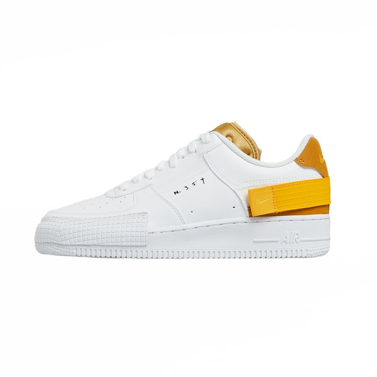 Sneakers Nike Air Force 1 Type whiteuniversity gold (AT7859 100)