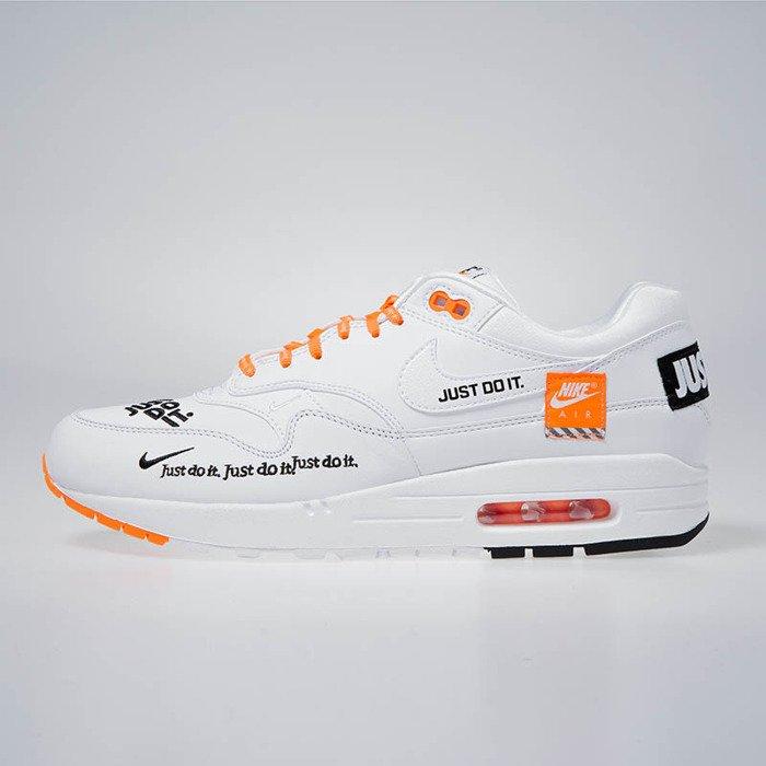 Sneakers Nike Air Max 1 LX whiteblack total orange (917691 100)