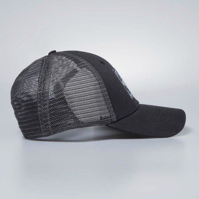 dbd0445966339 ... The North Face snapback Mudder Trucker Hat tnf black   asphalt grey  camo T0CGW22YC ...