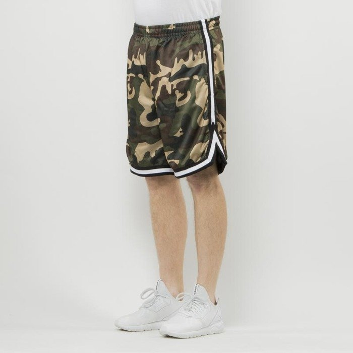 38b146d261 ... Urban Classics Camo Stripes Mesh Shorts woodcamo / black / white ...