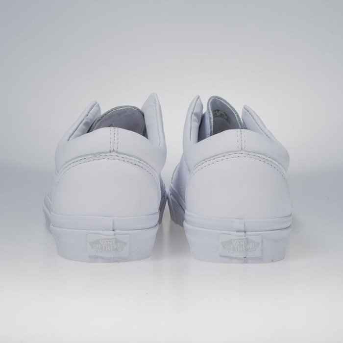 3821bf164fe396 ... Vans Old Skool Laceless (Leather) true white VN0A3DPCL3H ...