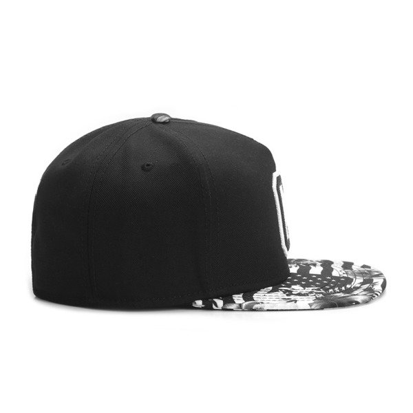 Cayler & Sons snapback Cee Flagged Cap black / white GLD-CAY-AW16-08