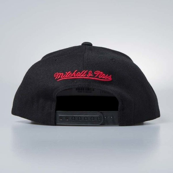 Mitchell & Ness cap snapback Chicago Bulls black Twill Circle Patch