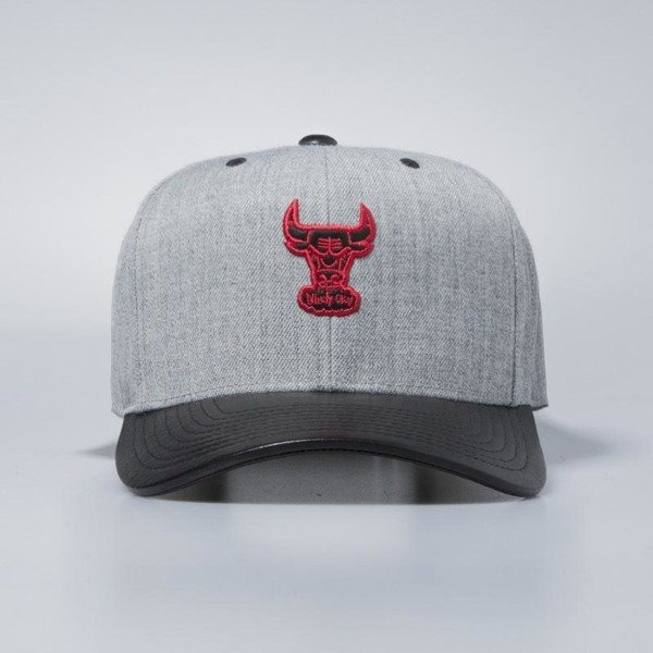 Mitchell & Ness snapback Chicago Bulls grey / black Vintage Top Shelf Curve