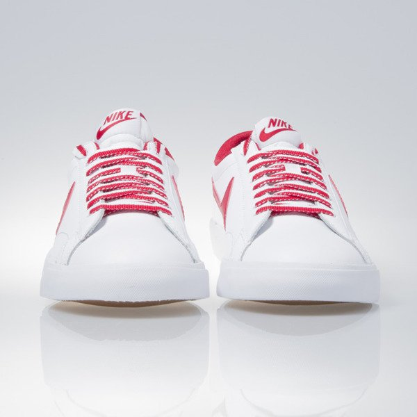 new arrival 6dd00 2f7e8 ... Nike Tennis Classic AC white   gym red-gum med brown (377812-122 ...