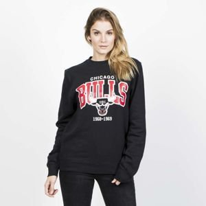 Bluza Damska Mitchell & Ness Chicago Bulls Crewneck black Team Arch
