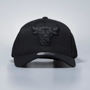Czapka Mitchell & Ness snapback Chicago Bulls black Flexfit 110