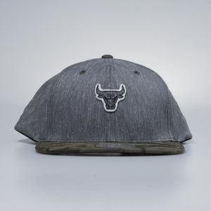 Czapka Mitchell & Ness snapback Chicago Bulls charcoal / camo Trench 110