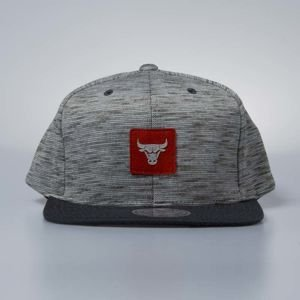 Czapka Mitchell & Ness snapback Chicago Bulls grey / red Brushed Melange