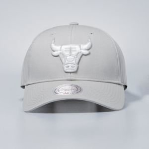 Czapka Mitchell & Ness snapback Chicago Bulls silver Team Logo Low Pro