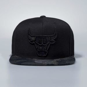 Czapka Mitchell & Ness snapbeck Chicago Bulls black Denim Camo
