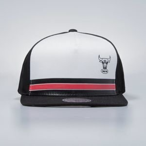 Czapka Mitchell & Ness snapbeck Chicago Bulls black Pacific Stripe Pinch Panel