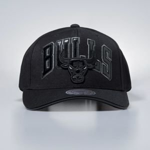 Czapka Mitchell & Ness snapbeck Chicago Bulls black Thirteens
