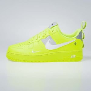 Sneakers buty Nike Air Force 1 '07 LV8 Untility volt / white-black-wolf grey (AJ7747-700)
