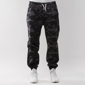 Spodnie Mass Denim Signature Joggers Sneaker Fit black camo