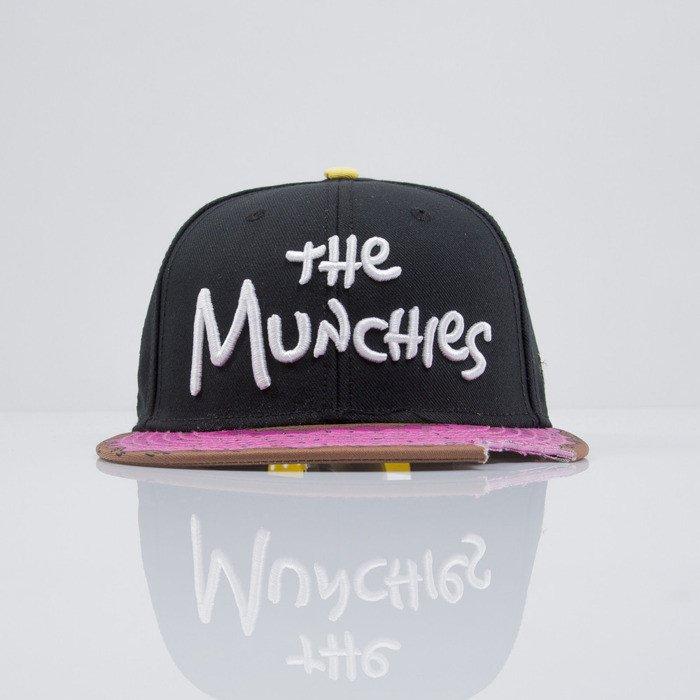 1bcf6d58e44e6 ... Cayler   Sons czapka snapback Munchies black   pink donut   white  (CAY-HD ...