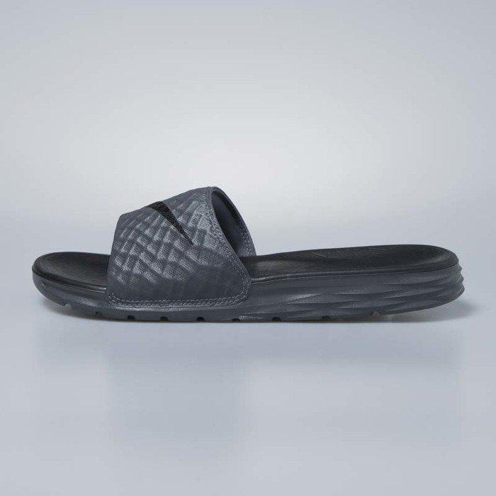 new product e36d5 bf1a2 ... Klapki Nike Benassi Solarsoft dark grey / black 705474-090 ...