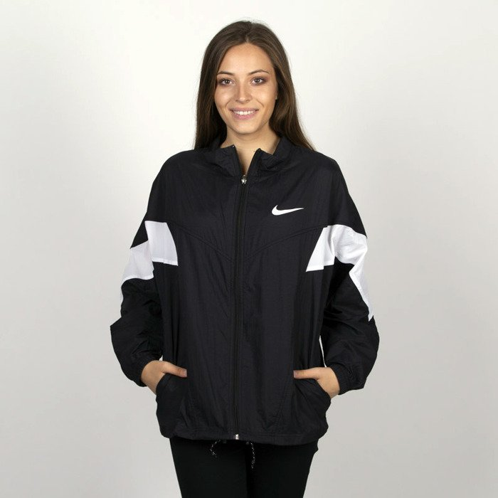 8b8c4dbf8d11ee Kurtka damska Nike Sportswear Windrunner Throwback black | Bludshop.com