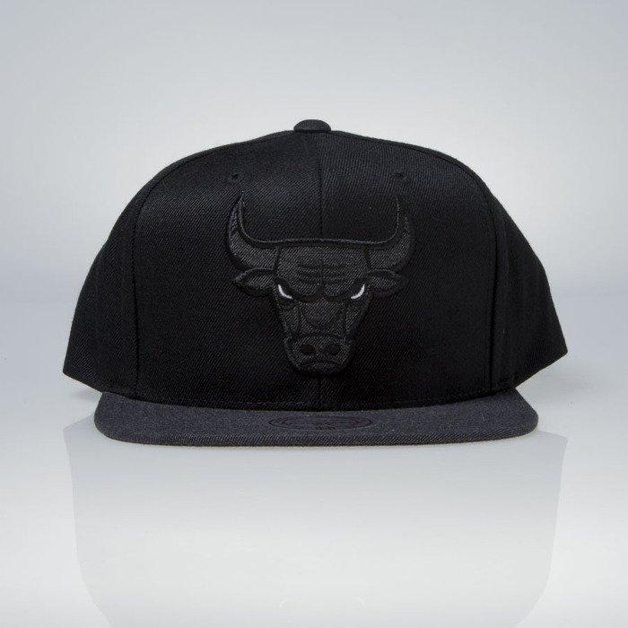 98274f7087b46 ... Mitchell   Ness czapka snapback Chicago Bulls black Heather 2 Tone  EU946 ...
