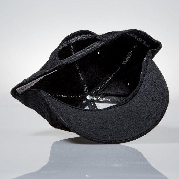 3ab0550b5c2 Mitchell   Ness czapka snapback M N Logo black EU889 FLEXFIT 110 ...