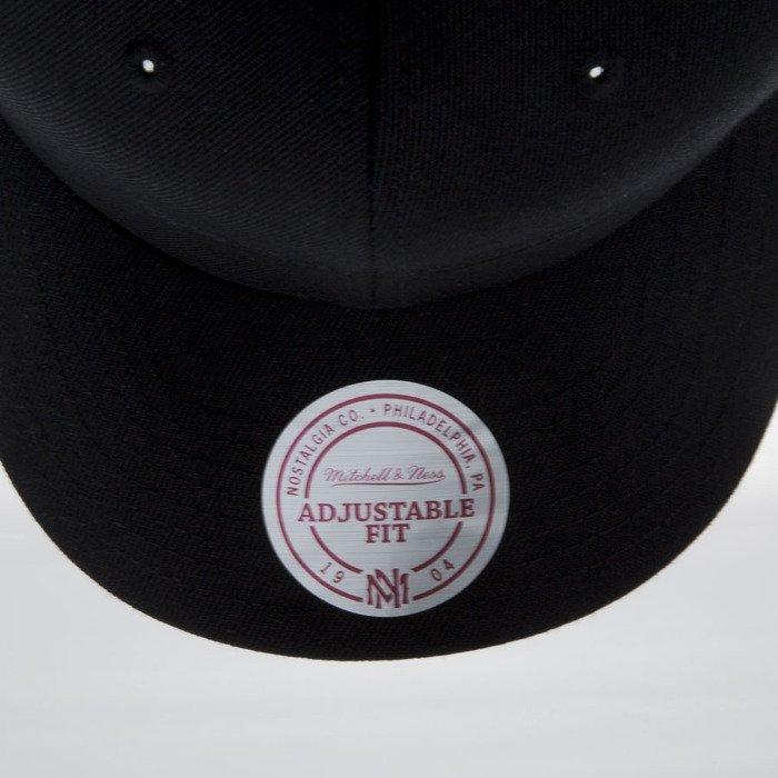 689da4b8a98 ... 110 · Mitchell   Ness czapka snapback M N Logo black EU889 FLEXFIT ...
