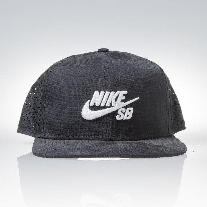 ... Nike SB czapka snapback Performance Trucker black (629243-010) ... 06d36609404