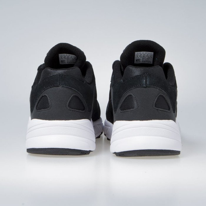 Sneakers buty Adidas Originals Yung 1 core black ftwr white (CG7121)