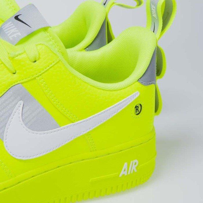 Nike Air Force 1 '07 LV8 Utility voltblackwolf greywhite