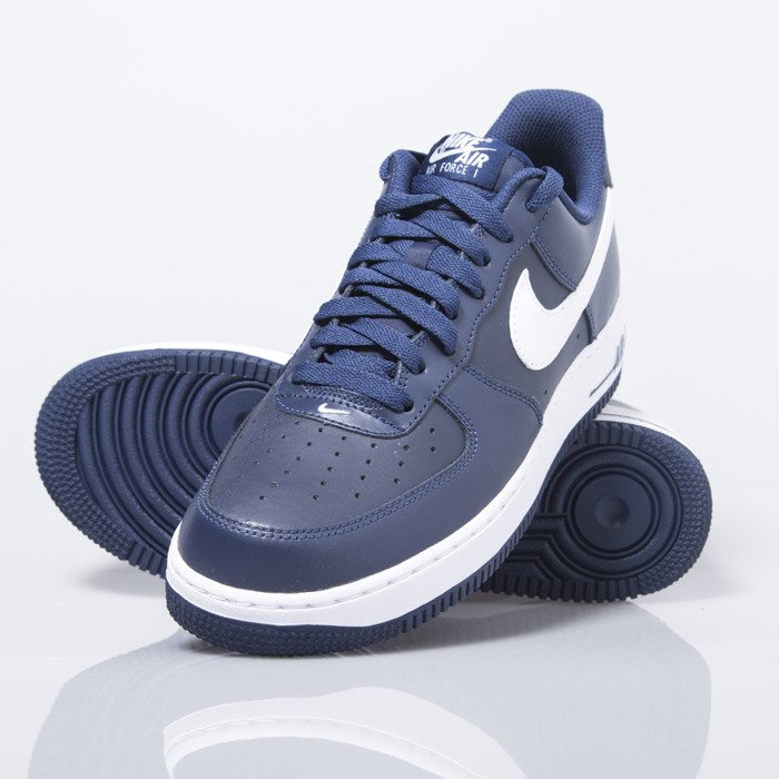 buy popular e5ca1 3cf74 ... Sneakers buty Nike Air Force 1 07 Low midnight navy  white (488298-  ...
