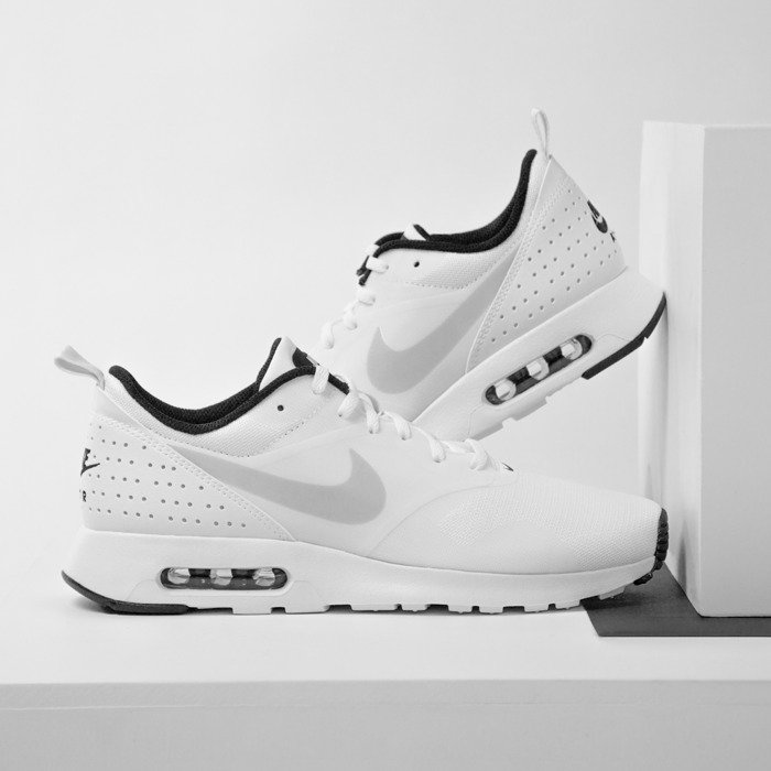 innovative design 6e9e3 f8a39 ... czech sneakers buty nike air max tavas white pure platinum black 705149  103 0948a ff6de