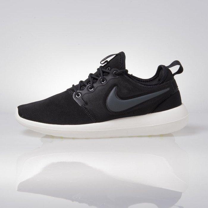 Sneakers buty Nike WMNS Roshe Two black (844931 002)