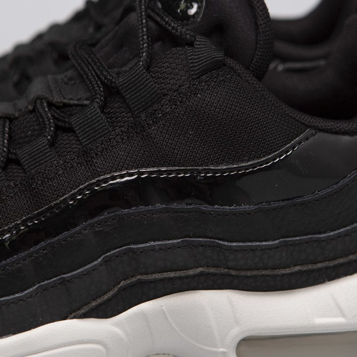 Sneakers buty damskie Nike Air Max 95 SE black black summit white (AQ4138 001)