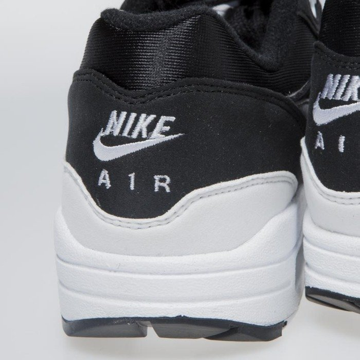 sports shoes e14d9 287ce Sneakers buty damskie Nike WMNS Air Max 1 black white 319986-034 ...